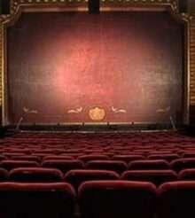 Мошенники стали массово создавать поддельные сайты российских театров
